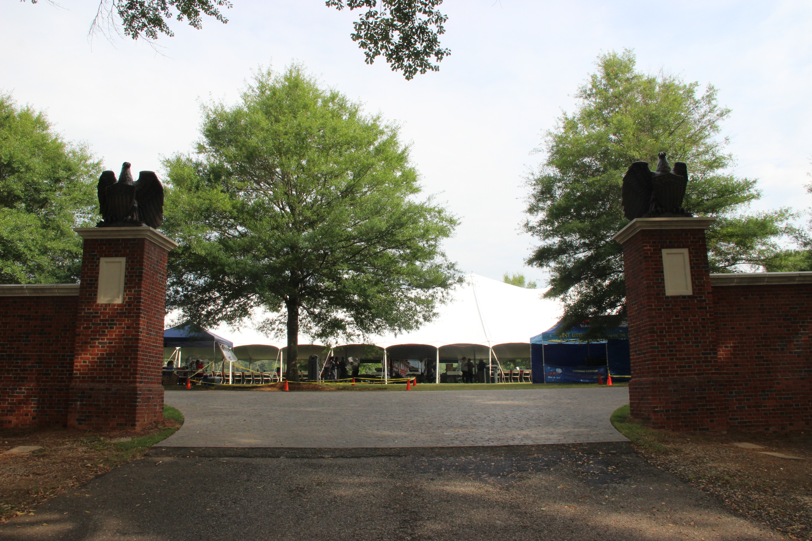 Image of the picnic tents at the 2016 Senior Picnic