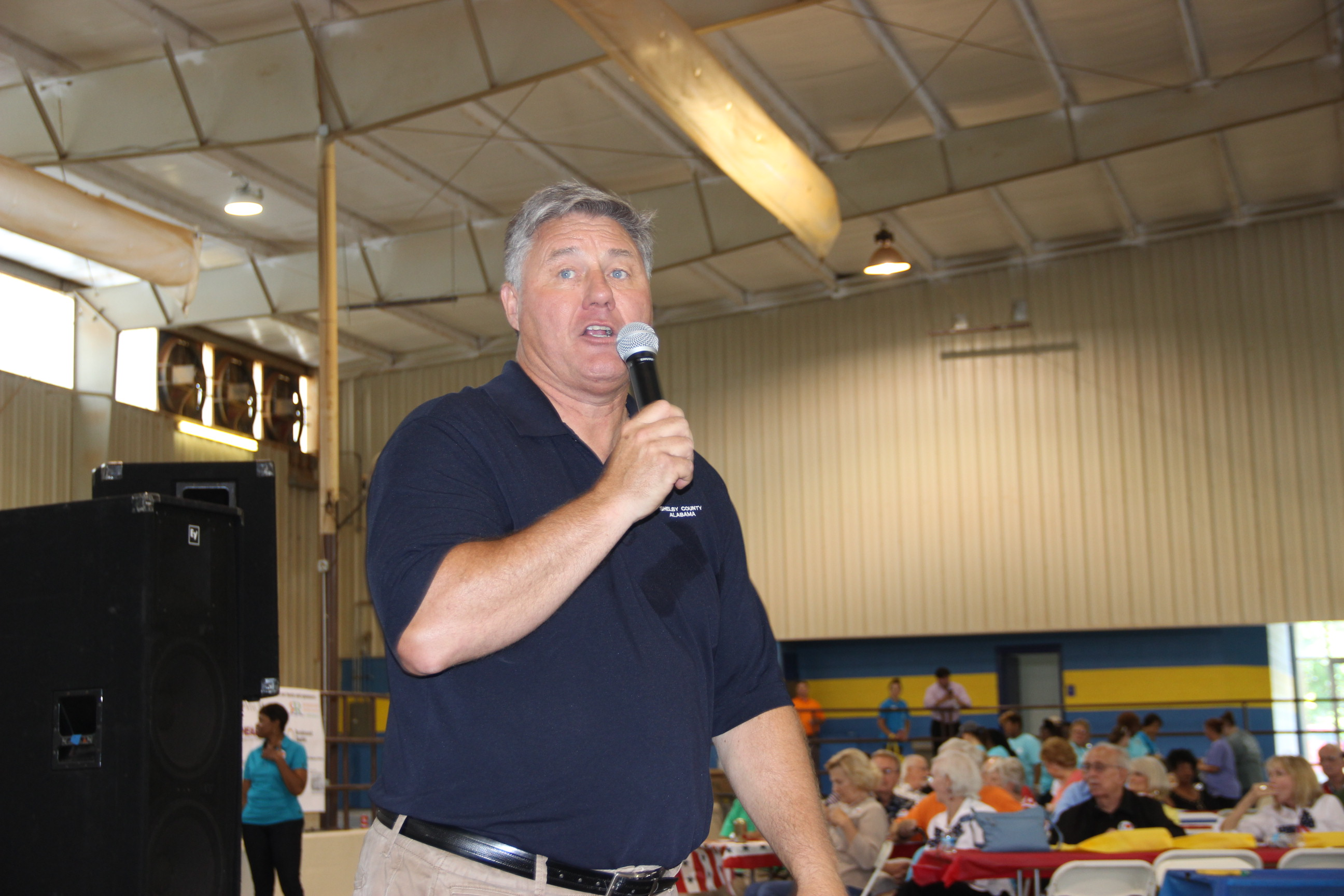 Image of the Shelby County manager Alex Dudchock speaking at the 2017 Senior Picnic